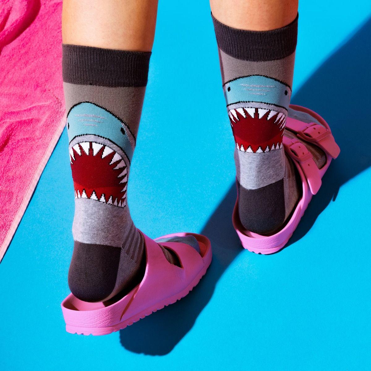 BIG ANIMAL SOCKS SHARK ATTACK